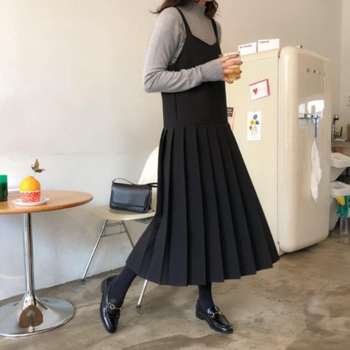 Tantalum Bold Pleated Long Dress