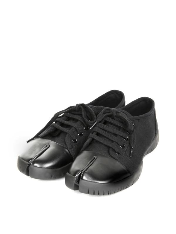 tabi canvas sneakers