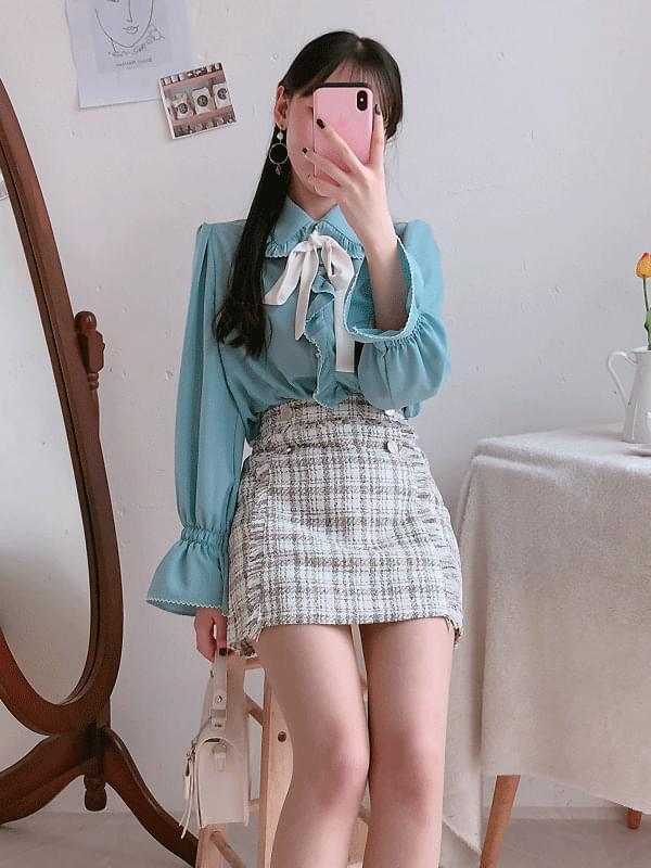 Alice ribbon blouse