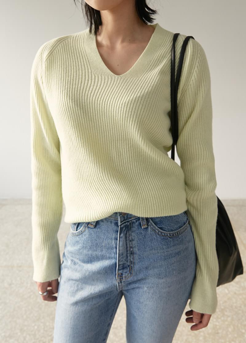 V round knit