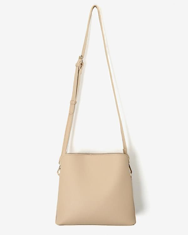 round square shoulder bag