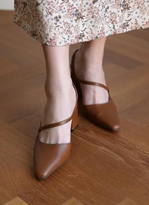 Sensual strap sandals
