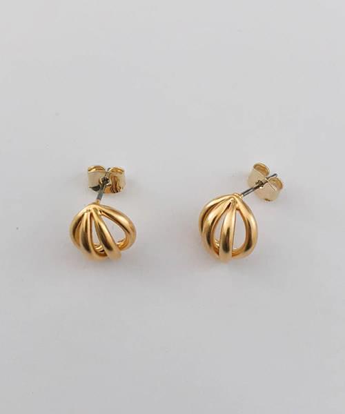 bunt earring