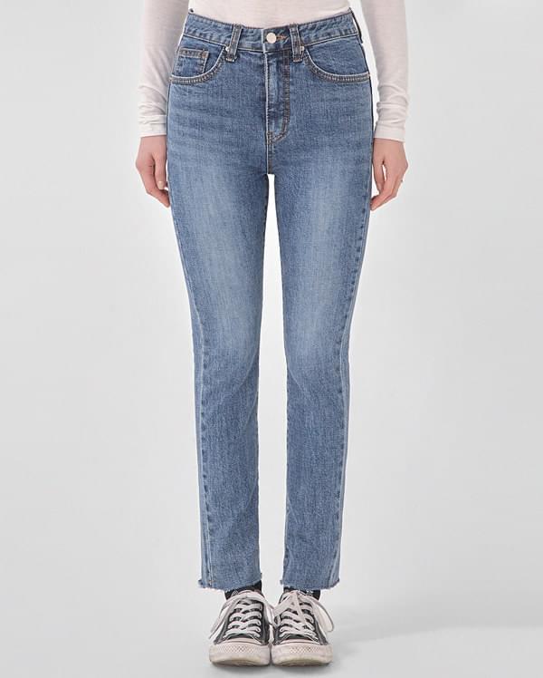 three straight denim pants