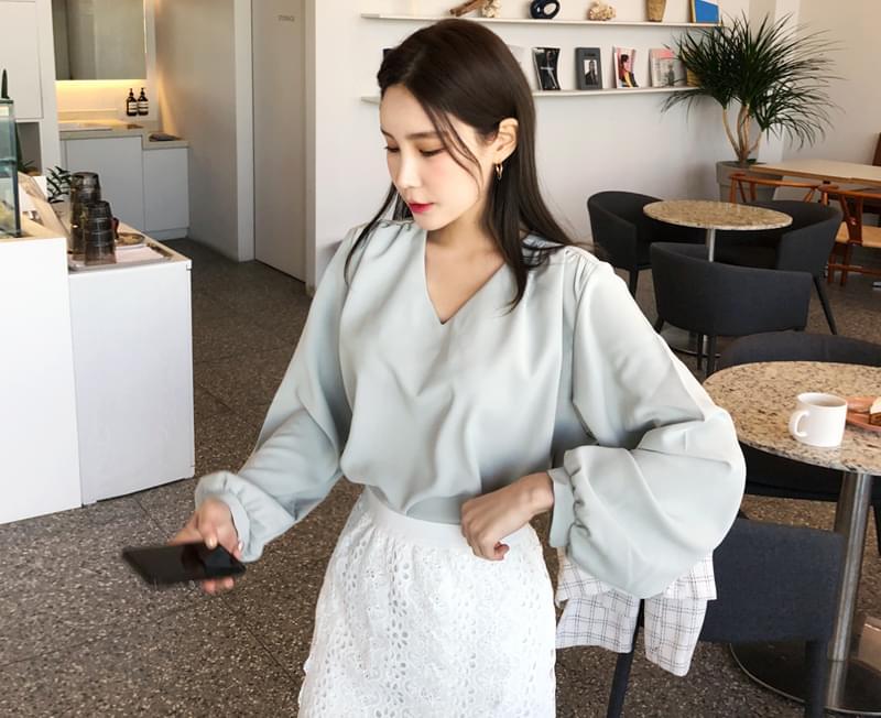Elegant blouse from shearing