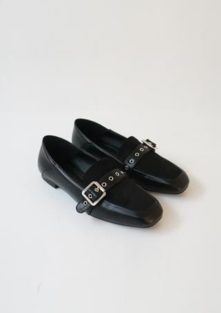 buckle point loafer