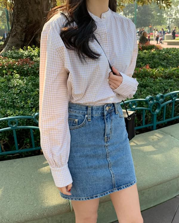 carry henley neck check blouse