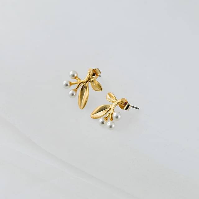 pearl berry earring