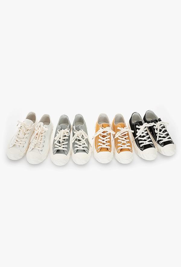 Catcher sneakers