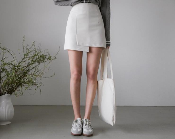 Lloyd's Skirt