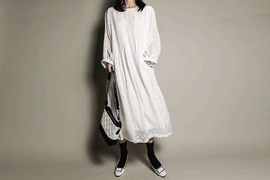 Loose fit one pocket lace dress _op02963