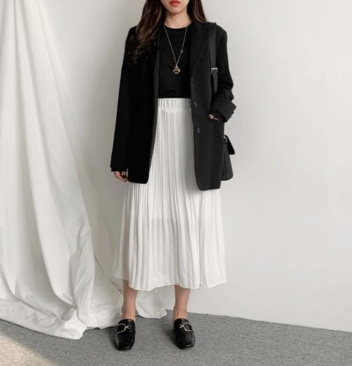 Long skirt with jelly pleats