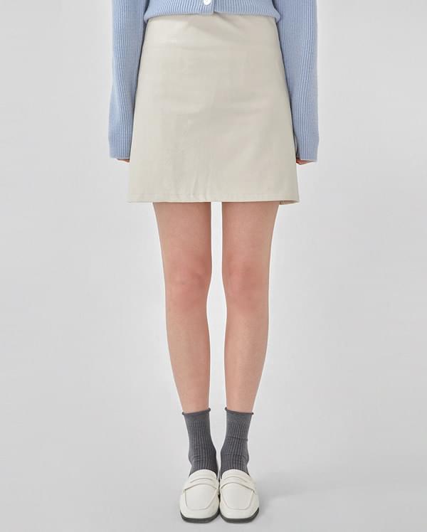 merry leather mini skirt (s, m)
