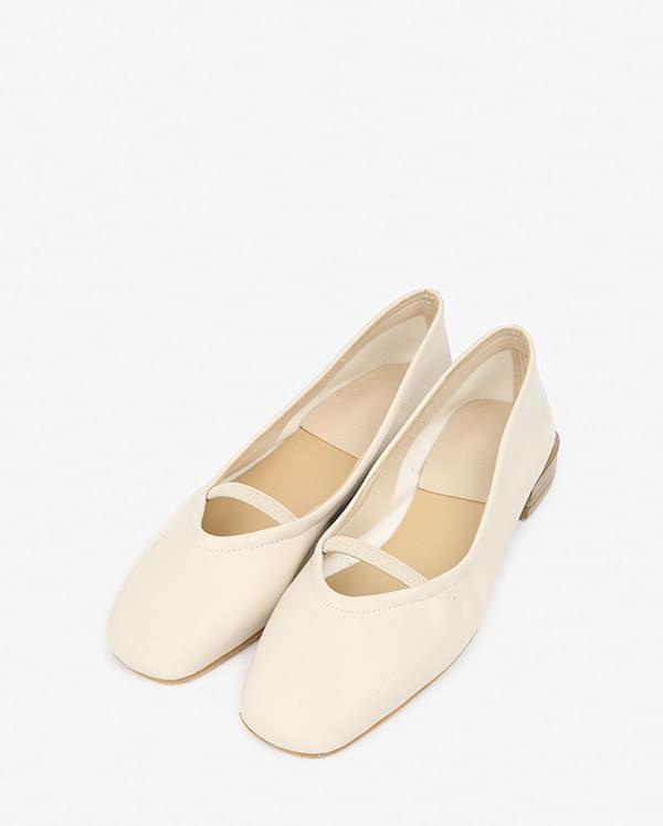 clean line loafer