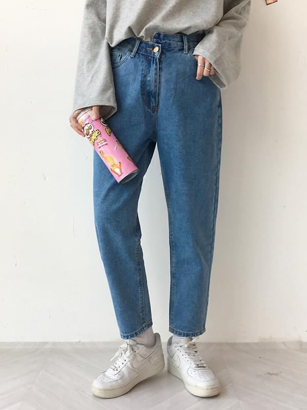 Unbalanced exhaust pants