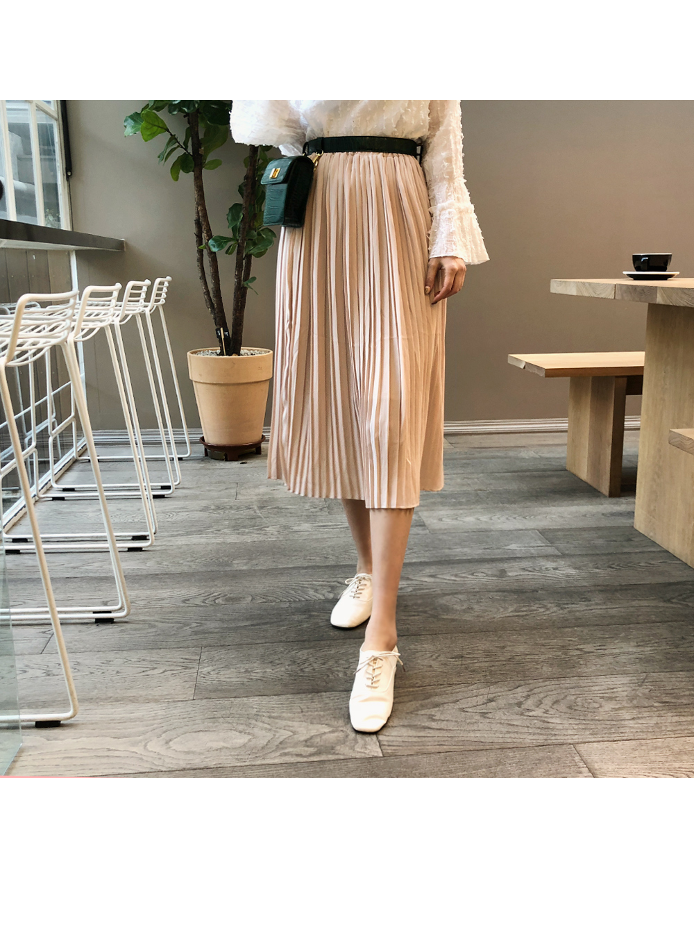 Emotion pleated skirt