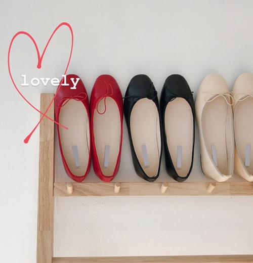 Lovely ribbon flat shoes