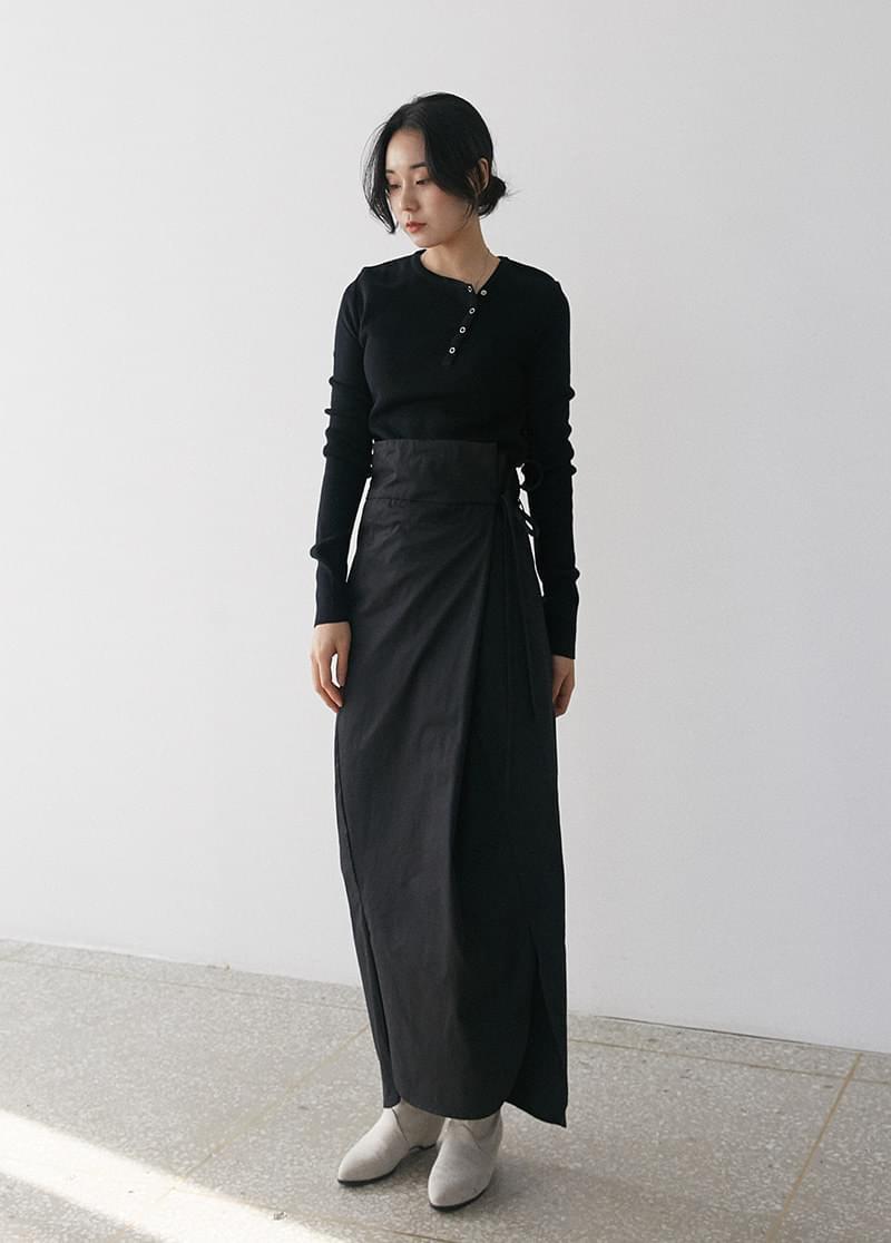 Curve wrap skirt