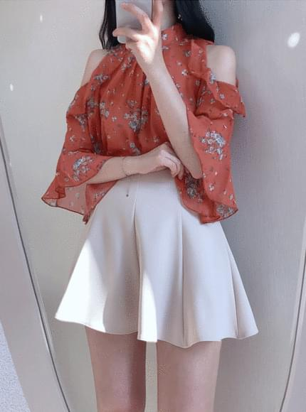 Order ♥ roman flower off shoulder ruffle bl