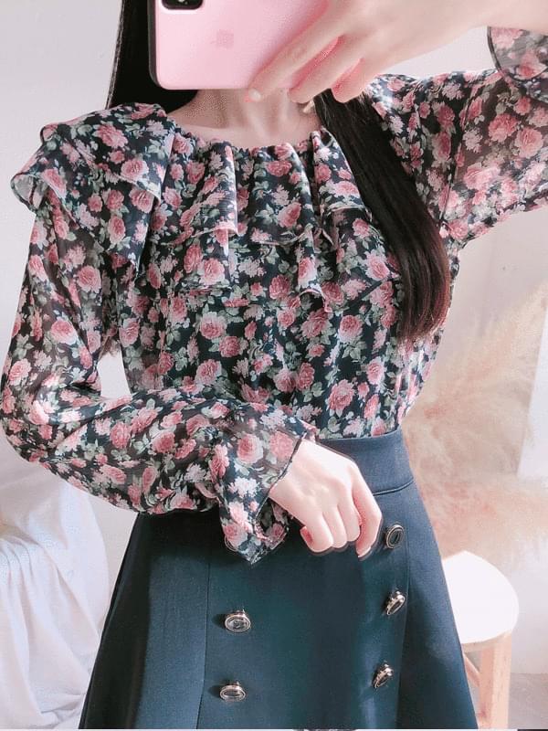 Flower luffy blouse