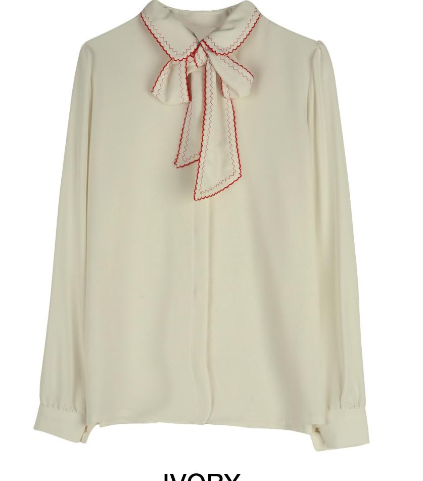 Zigzag ribbon blouse