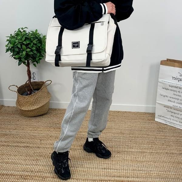 By Messenger Bag Shoulder Bags