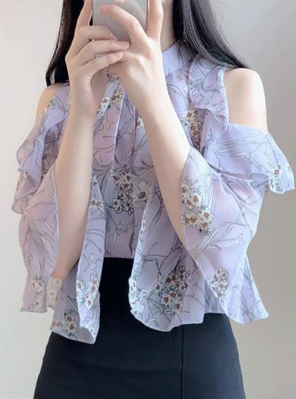 Lilac flower off shoulder ruffle bl