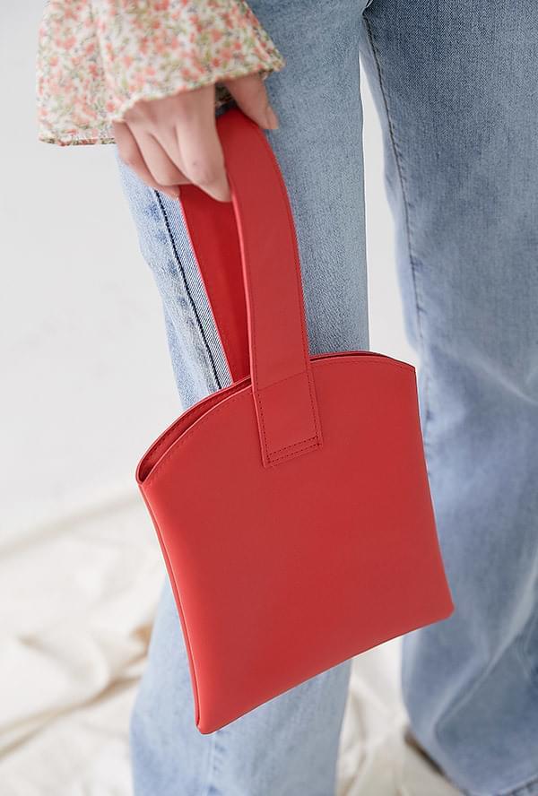 Deming On Handbags