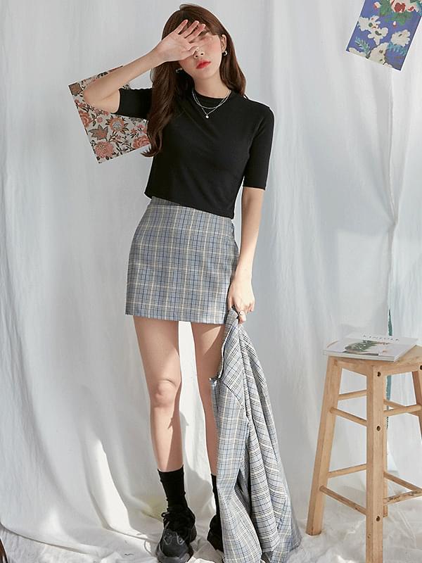 J. DK check skirt