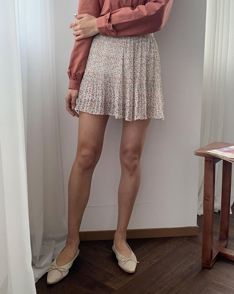 Love Flower Pleated Mini Skirt