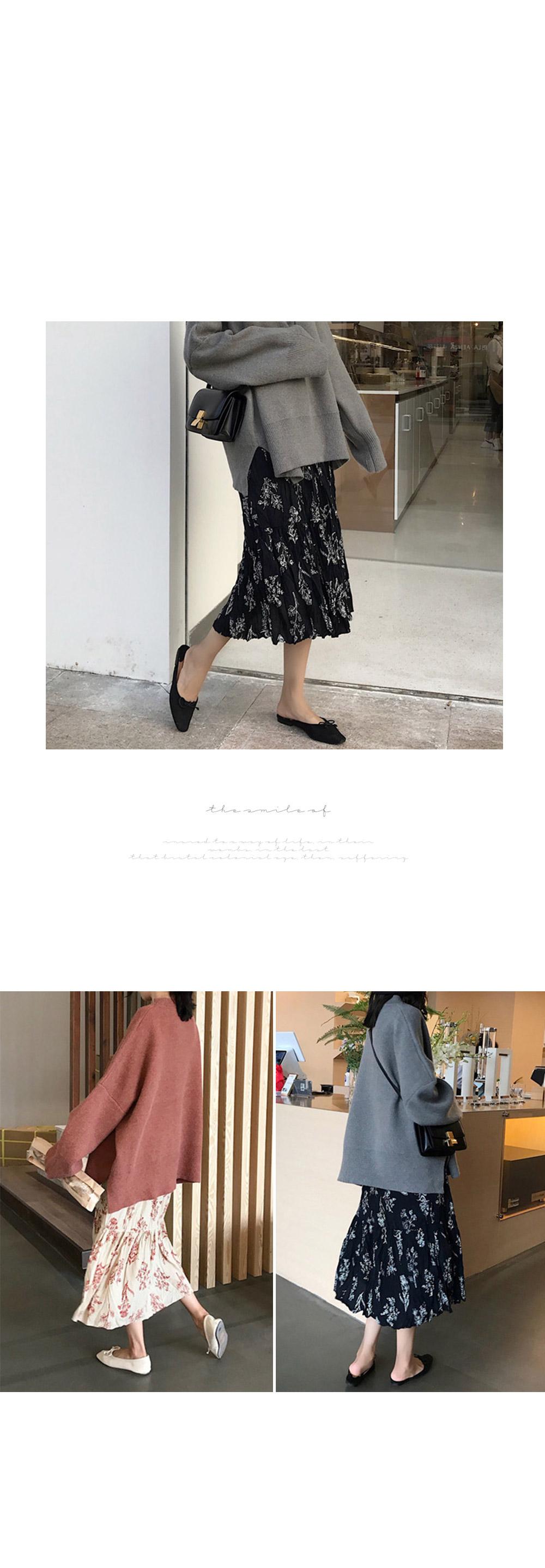 Romantic pleated skirt