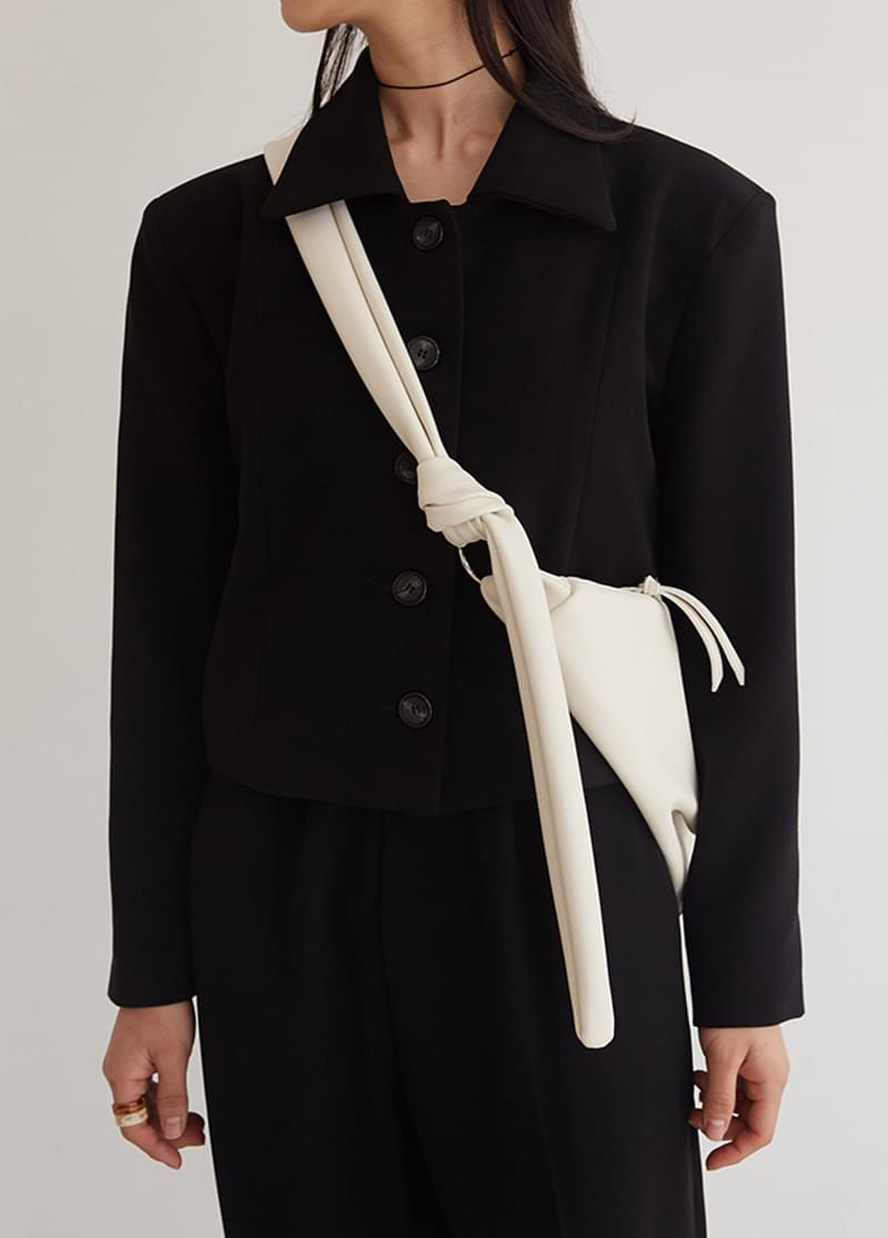 Semi-line jacket