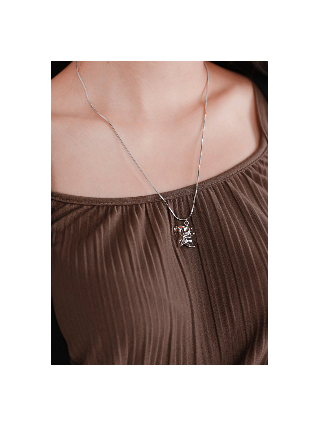 SILVER SQUARE DROP NECKLACE