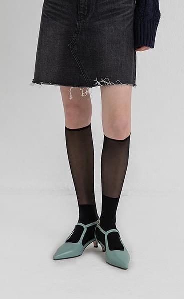 It see-through half knee socks