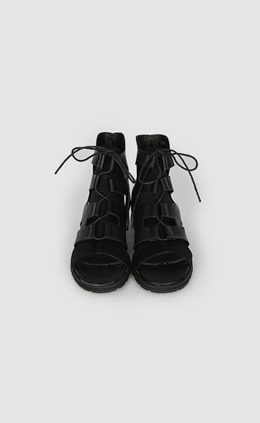 Tokyo black sandals