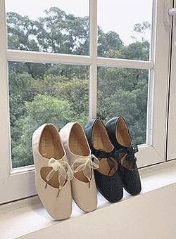 Ribbon Mary Flat Shoes