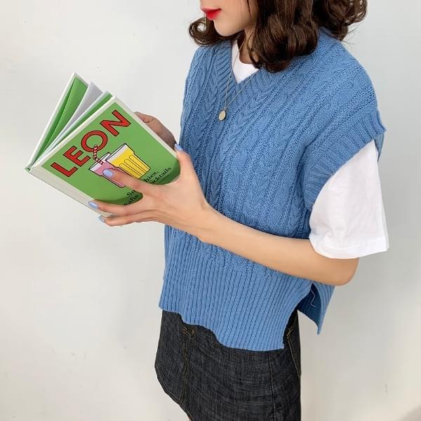 Twill crop vest