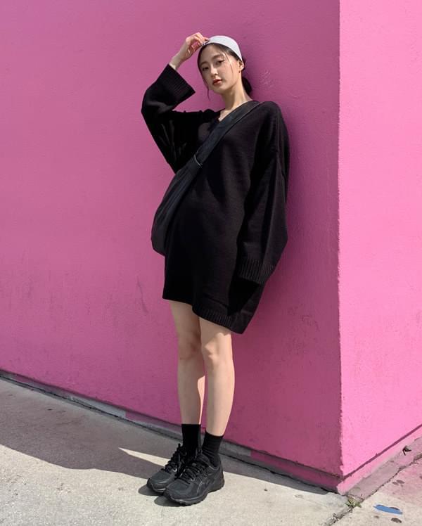gross v-neck mini knit ops