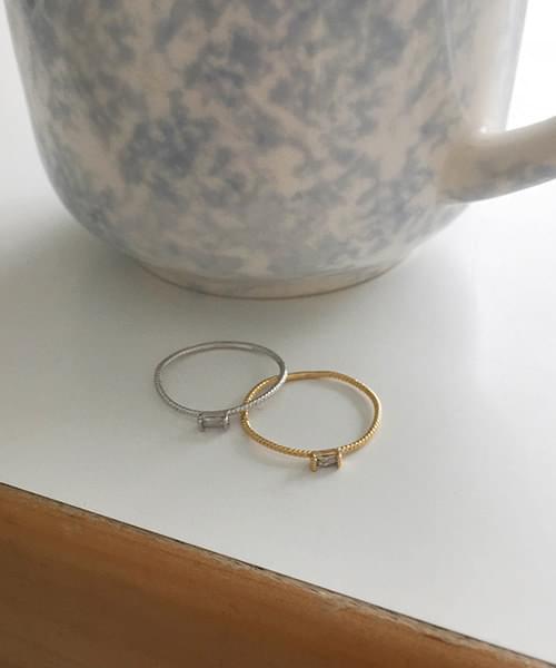 petit ring