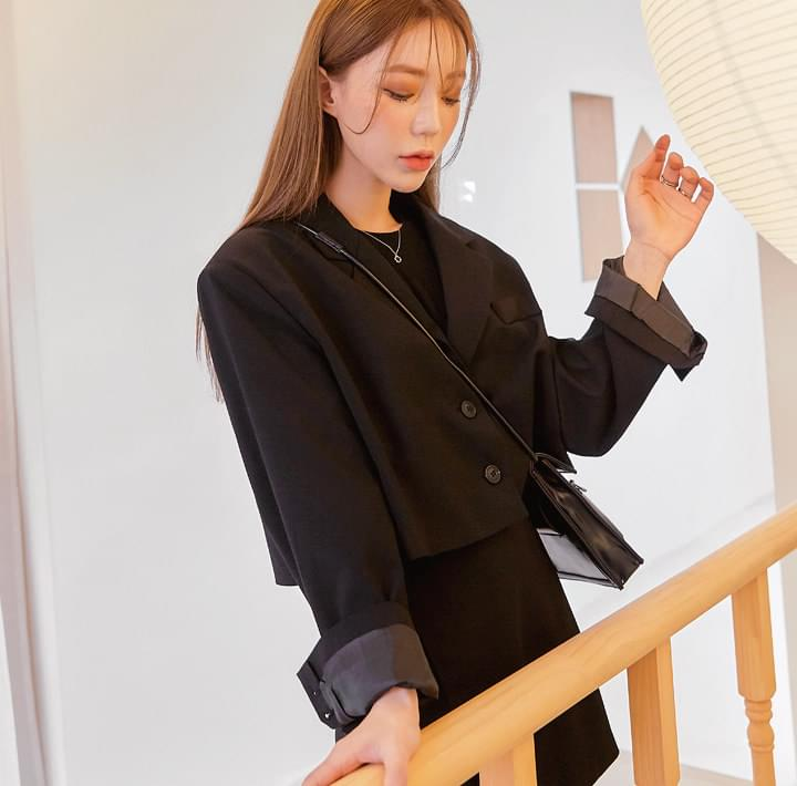 TAILY SET-UP SINGLE CROP JACKET