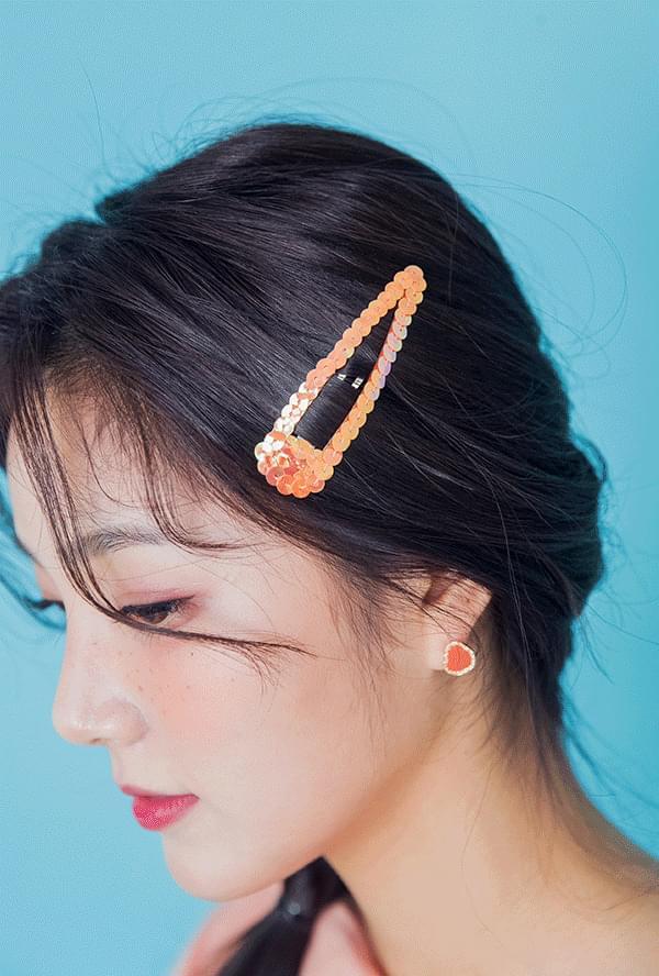 Sequin hairpin
