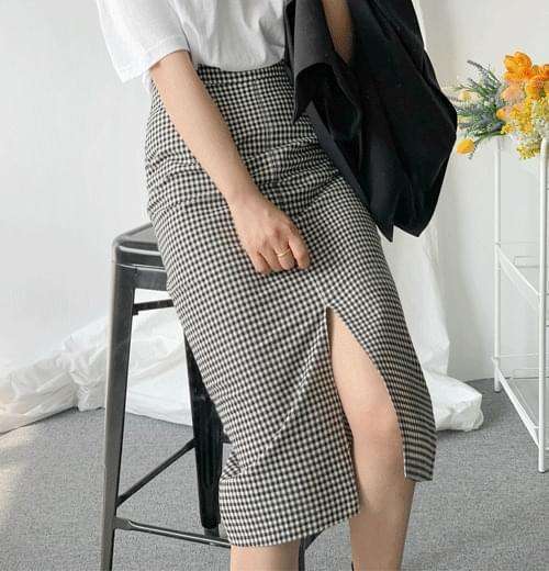 Howe Check H Skirt