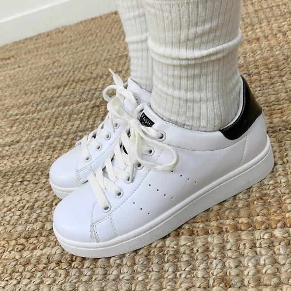 Clean Lettering Sneakers 球鞋/布鞋