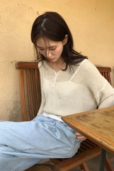 button crop net knit