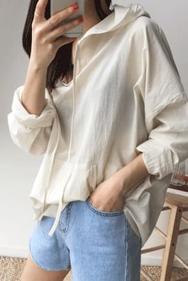 Cotton hooded shirt