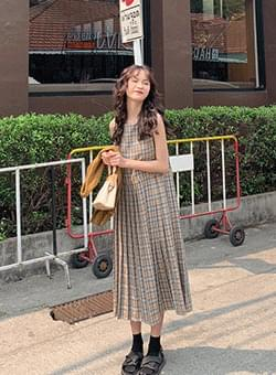 Sleeve Check Pleated Long Dress