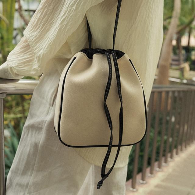 natural bucket bag