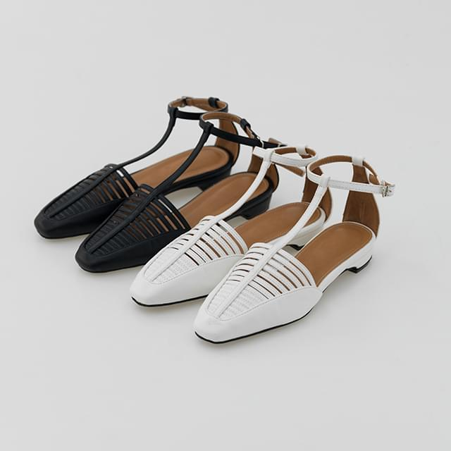 T-line strap sandal