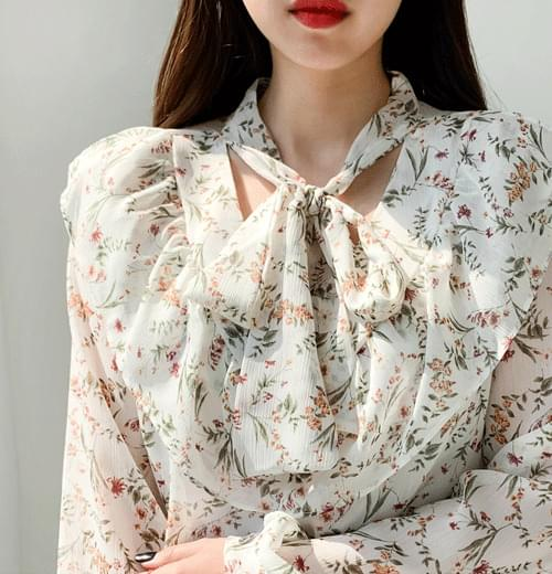 Blossom ribbon blouse