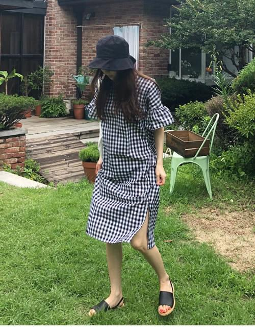 Deling back point check long dress